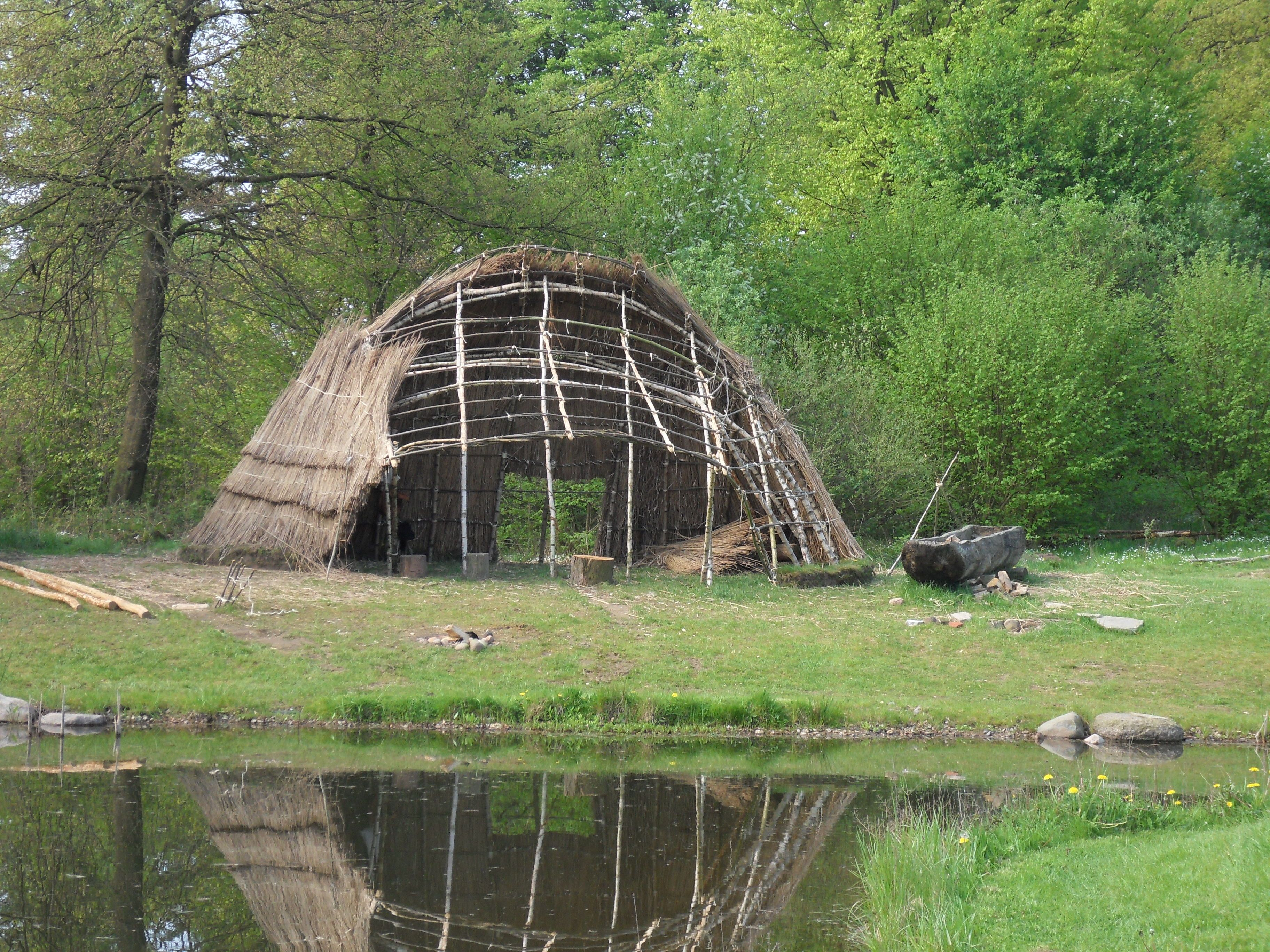Experience With Building Mesolithic Huts In The Stone Age