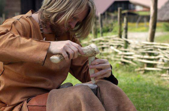 Morten Kutschera, flint knapping, workshop